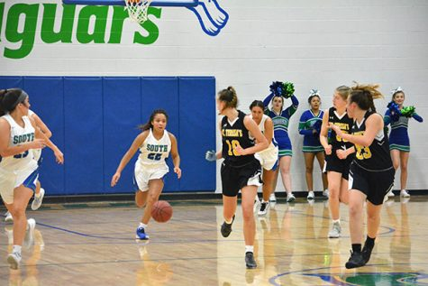 Girls basketball undefeated to start the season