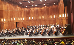 The+youth+symphony+of+Kansas+City+perform+at+Yardley+Hall+at+Johnson+County+%28Kan.%29+Community+College.+Photo+by+Amy+Pacas