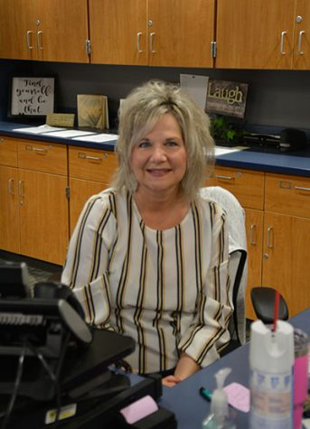 Longtime counseling office administrative assistant Patty Burns is retiring after more than 24 years.  Photo by Sonnie Hernandez
